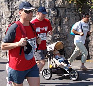 Lucerne city race 2005 family category: baby rides in a sports car