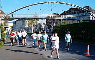 Lucerne city race 2005: walking category
